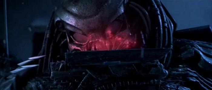 Alien vs. Predator- einer der Predatoren checkt die Lage