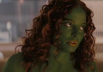 Rachel Nichols als Gaila in Star Trek 11