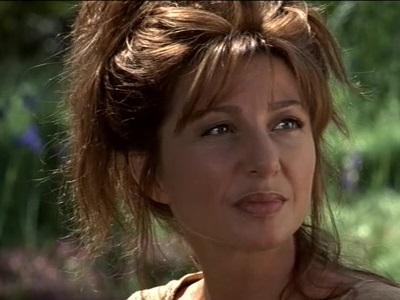 Donna Murphy in Star Trek Der Aufstand