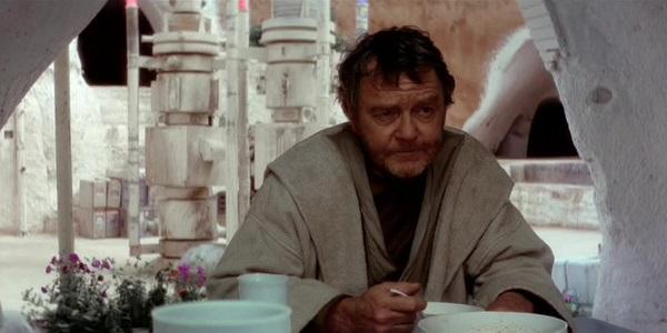 Phil Brown als Owen Lars