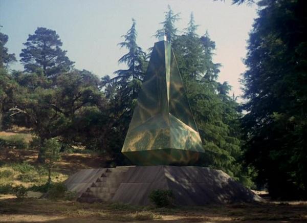 TOS 58 Der Obelisk